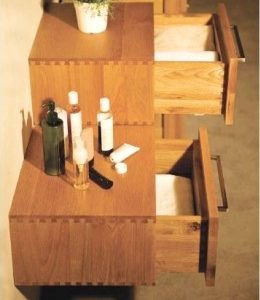 Oak bathroom drawer units